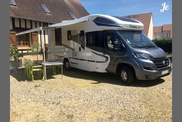 location camping car profil evreux 114. Black Bedroom Furniture Sets. Home Design Ideas