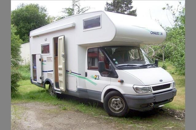 location camping car capucine landerneau 76. Black Bedroom Furniture Sets. Home Design Ideas